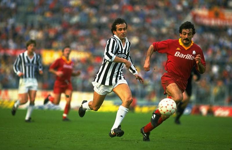 Dieses Bild zeigt Fußballlegende Michel Platini.