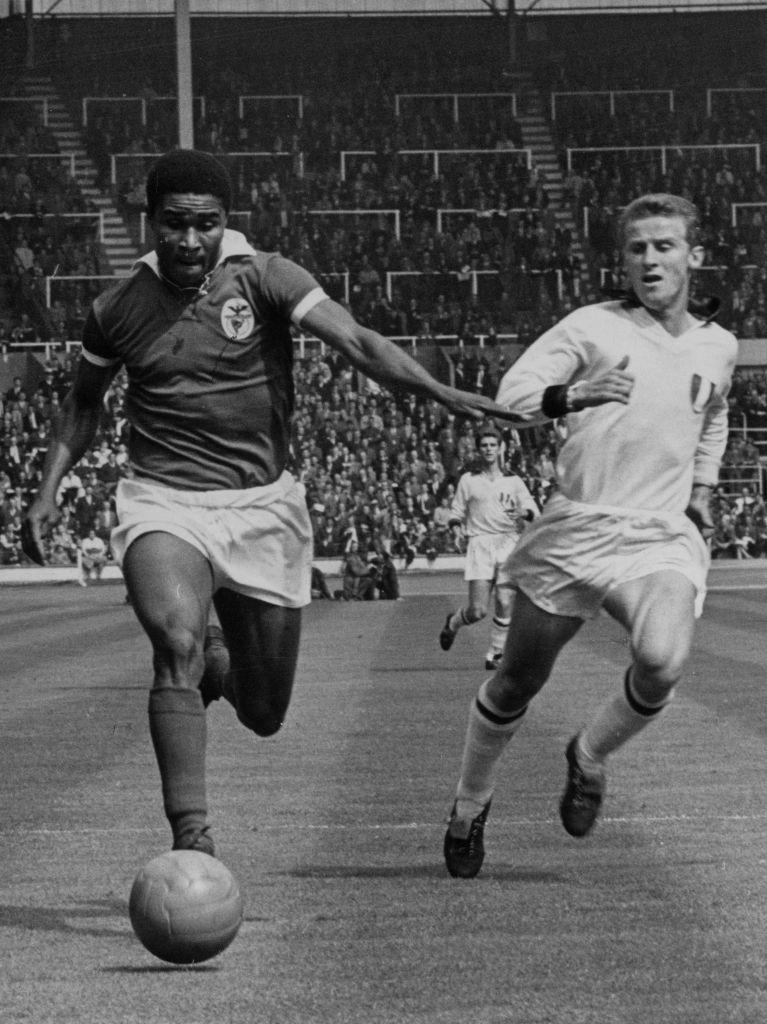 Eusébio am Ball
