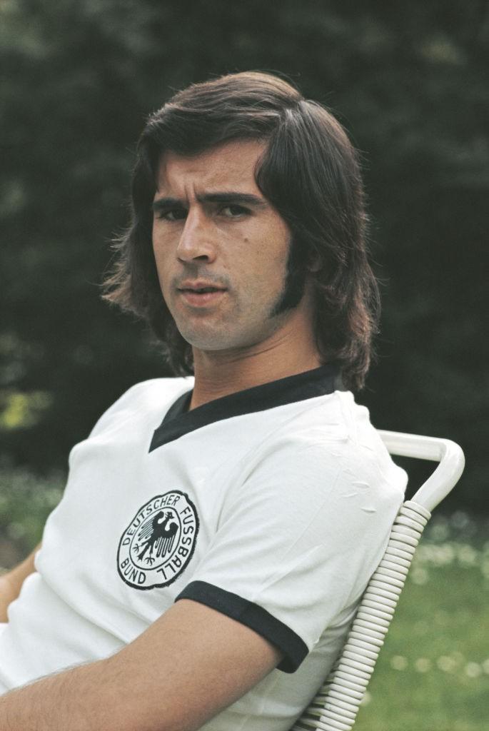Dieses Bild zeigt die deutsche Fußball-Legende Gerd Müller.