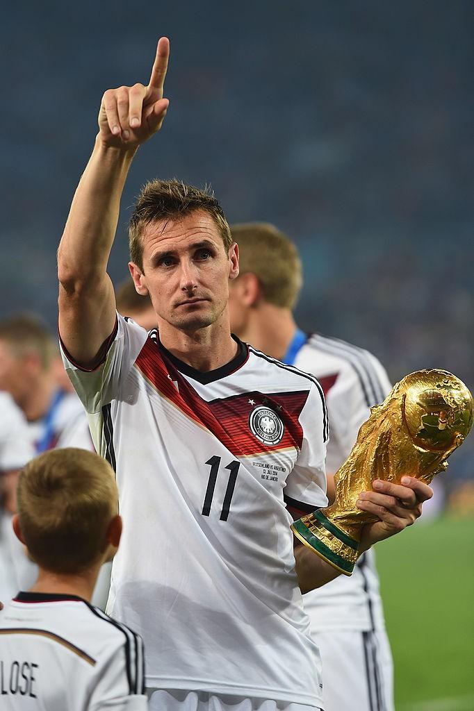 Dieses Bild zeigt die deutsche Fußball-Legende Miroslav Klose.