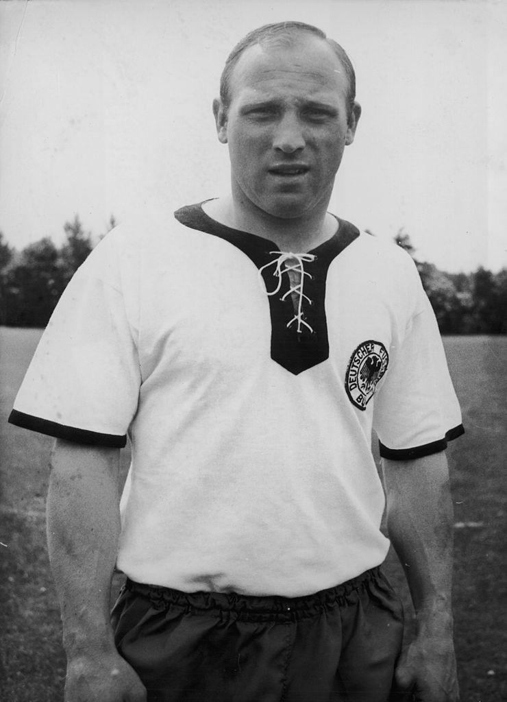 Dieses Bild zeigt die deutsche Fußball-Legende Uwe Seeler.