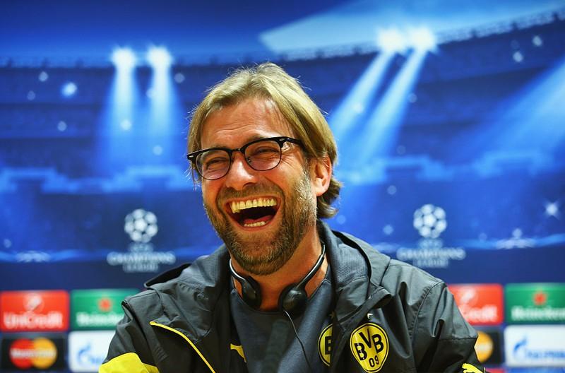 Dieses Bild zeigt den Fußball-Trainer Jürgen Klopp.