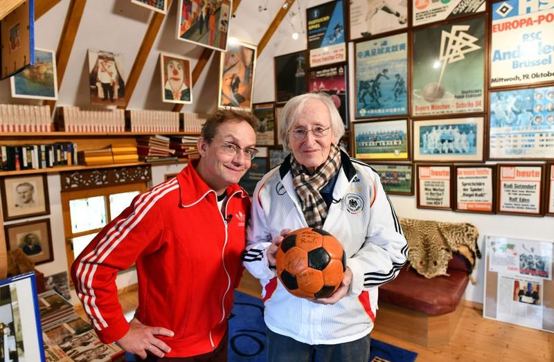 Dieses Bild zeigt den Fußball-Trainer Rudolf Gutendorf.