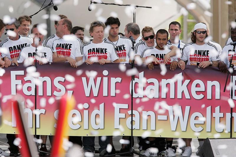 Die deutsche Elf wird 2006 auf der Fanmeile gefeiert