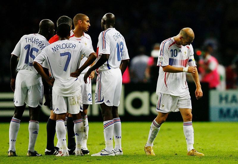 Zidane verlässt bei der WM 2006 den Platz im Spiel gegen Italien