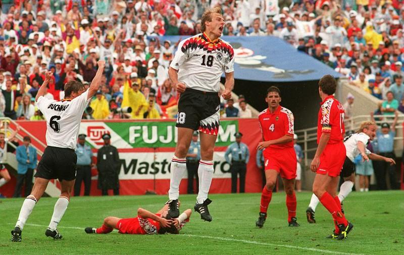 Jürgen Klinsmann freut sich bei der WM über sein Tor