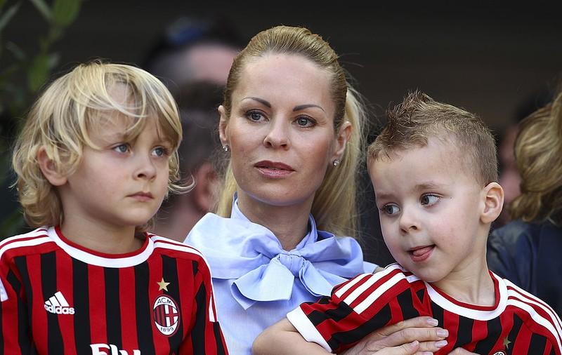 Zlatans Ehefrau Helena Seger mit den gemeinsamen Kindern