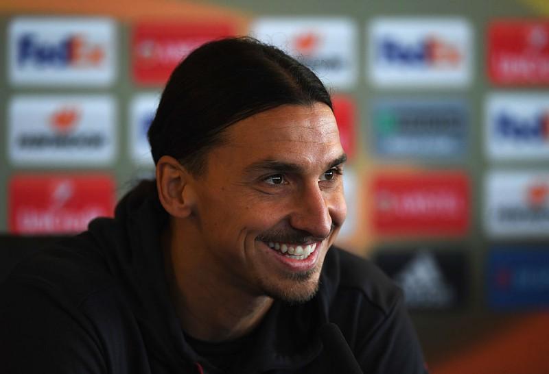 Zlatan Ibrahimovic auf einer Pressekonferenz
