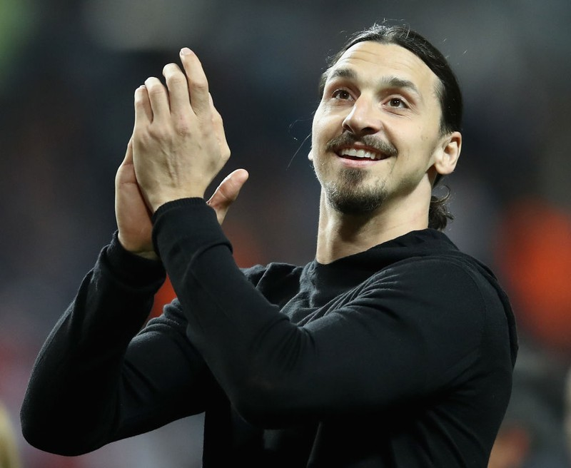 Zlatan Ibrahimovic beklatscht seine Erfolge