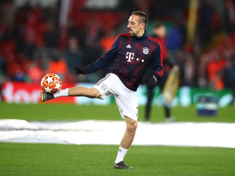 Franck Ribéry trainiert mit dem Ball