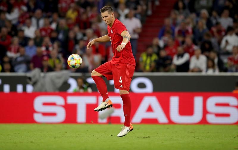 Niklas Süle von Bayern mit dem Ball