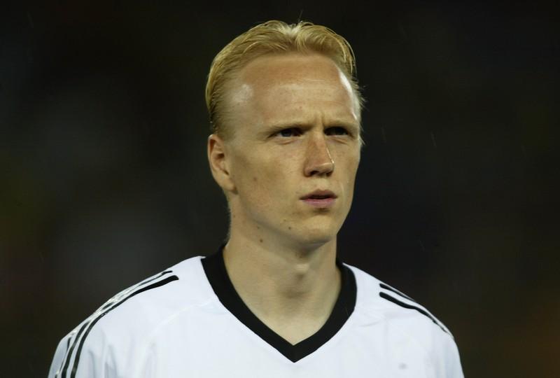 Carsten Ramelow war einmal Fußballprofispieler.