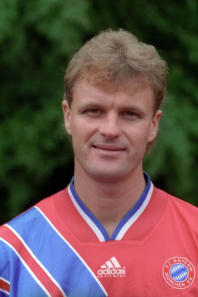 Roland Wohlfarth ist ehemaliger Fußball-Profi und war sogar Torschützenkönig.