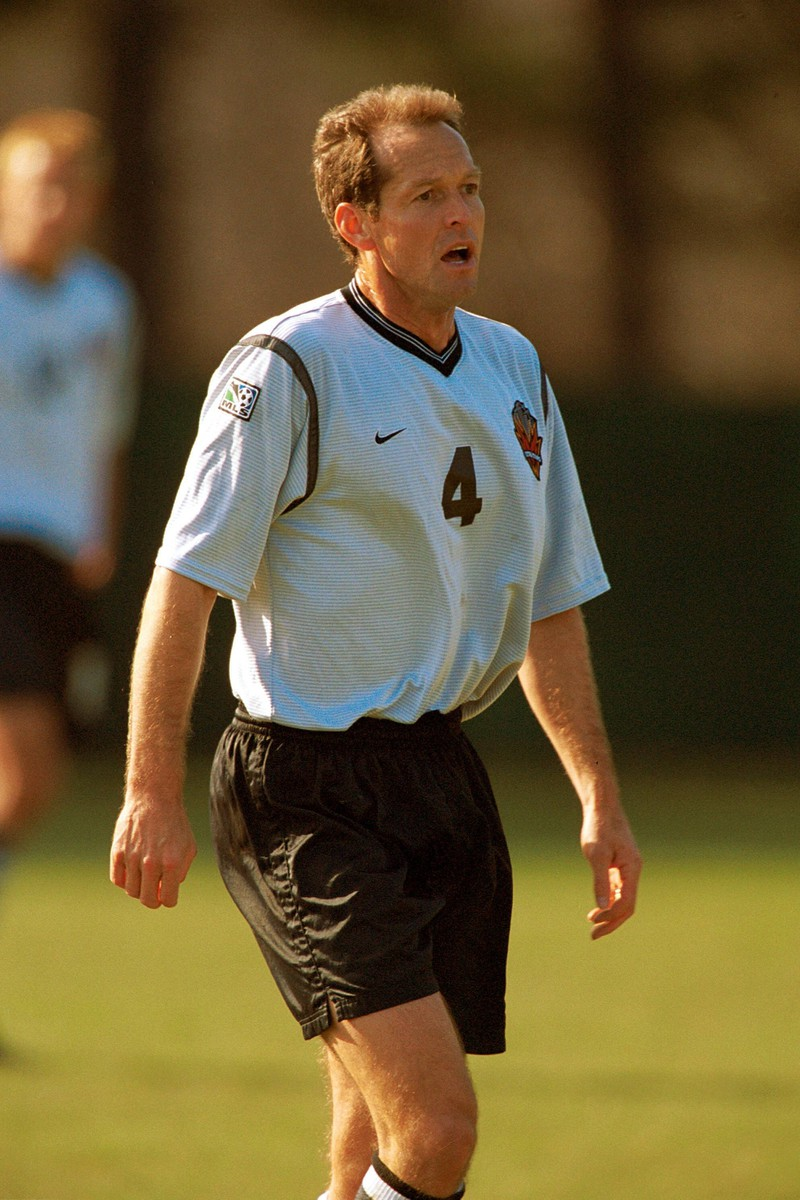 Tom Dooley ist ehemaliger Fußballprofi.