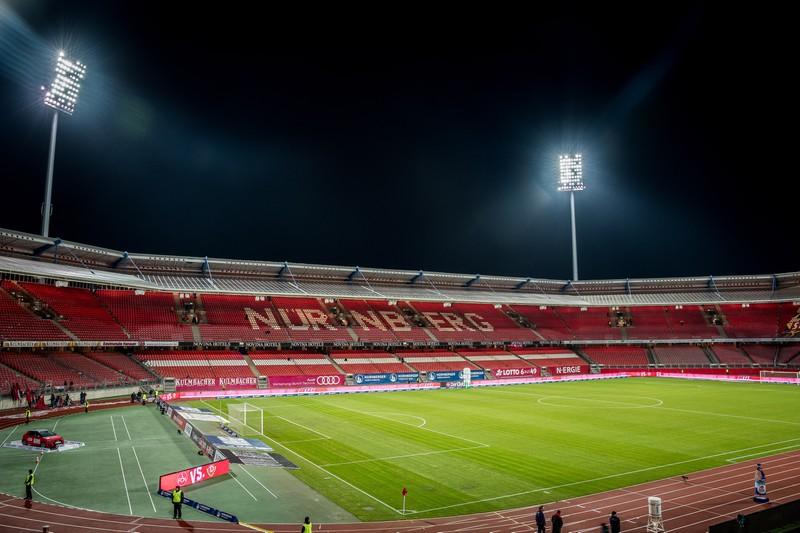 Man sieht das Stadion vom 1. FC Nürnberg, der schon acht mal abgestiegen ist in der Bundesliga