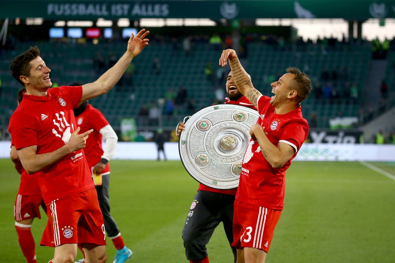 Man erkennt den FC Bayern MÜnchen, die als Rekordmeister die meisten Titel gewonnen haben in der BL