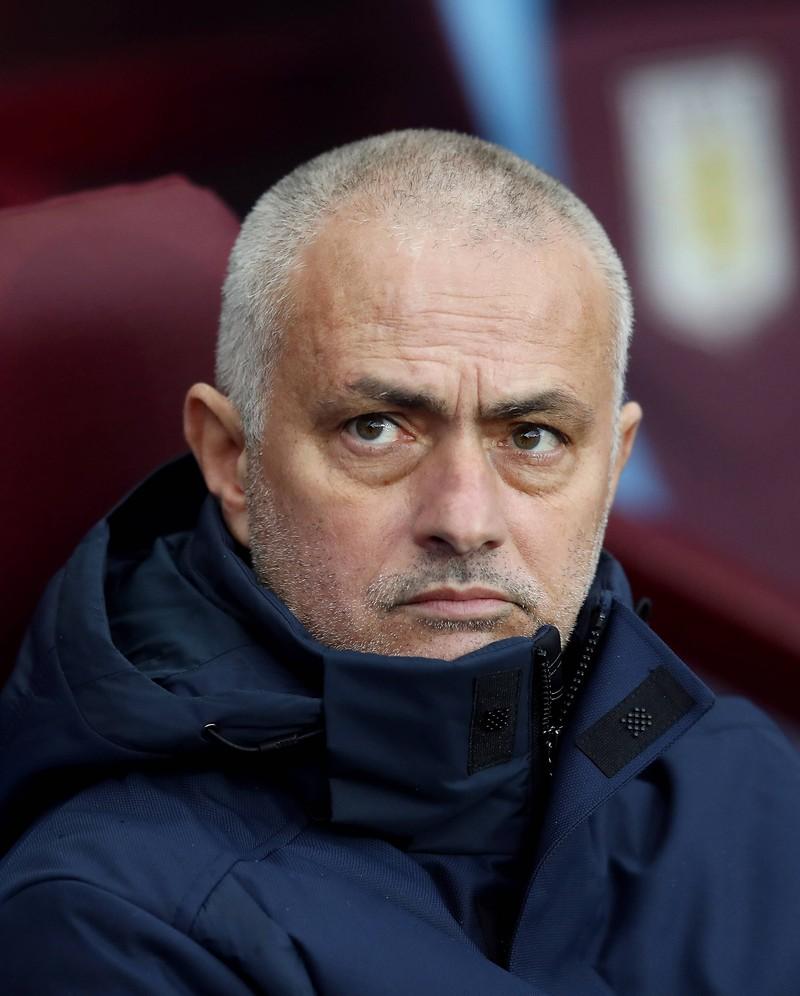 Man sieht José Mourinho, der 17,5 Millionen Euro erhält