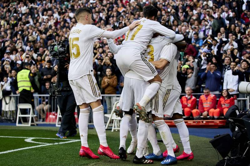 Das Foto zeigt Real Madrid, die 757 Millionen Euro Umsatz machen