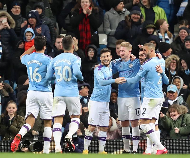 Man erkennt Manchester City, die 610 Millionen Euro Umsatz machen