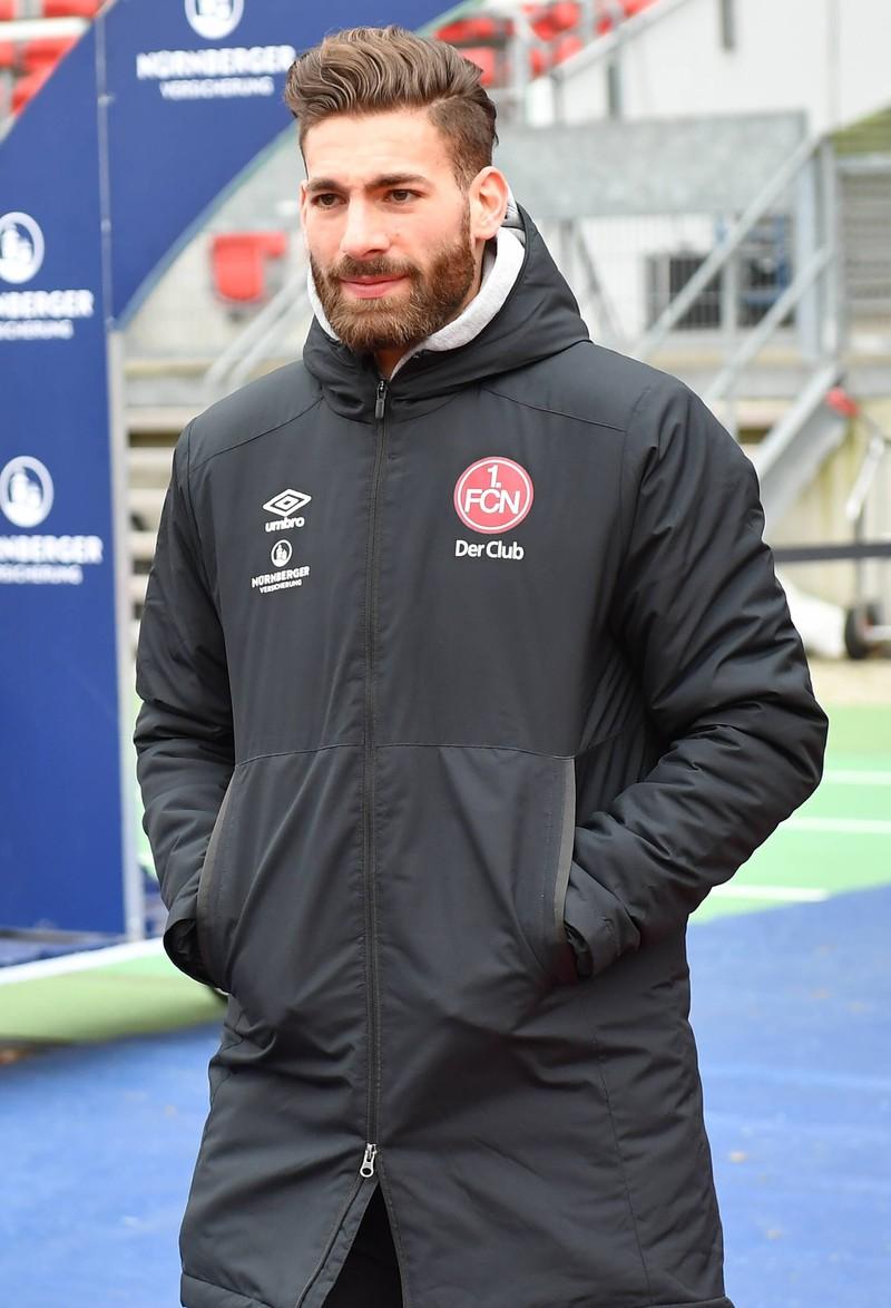Enrico Valentini wird vom Feldspieler zum Torwart