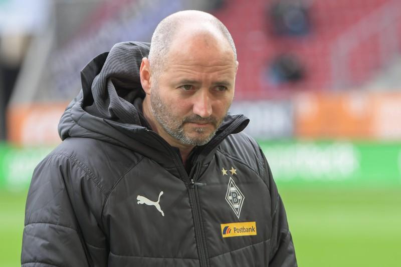Das Foto zeigt Oliver Neuville, der heute als Co-Trainer bei Borussia Mönchen Gladbach arbeitet