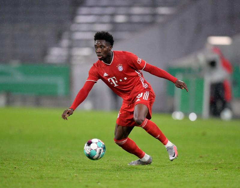 Er gehört zu den schnellsten Spielern der Bundesliga:  Alphonso Davies.