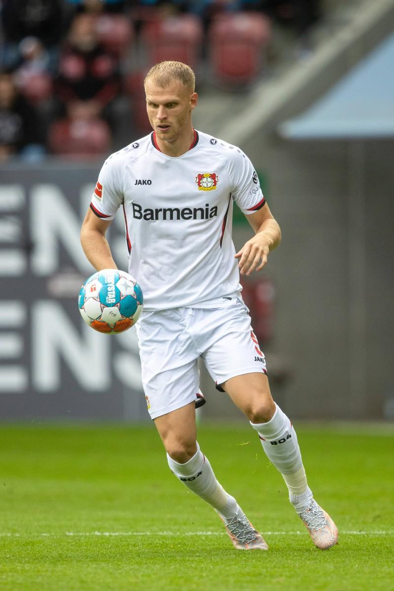 Mitchel Bakker ist sehr schnell und spielt beim Bundesligisten Bayer 04 Leverkusen
