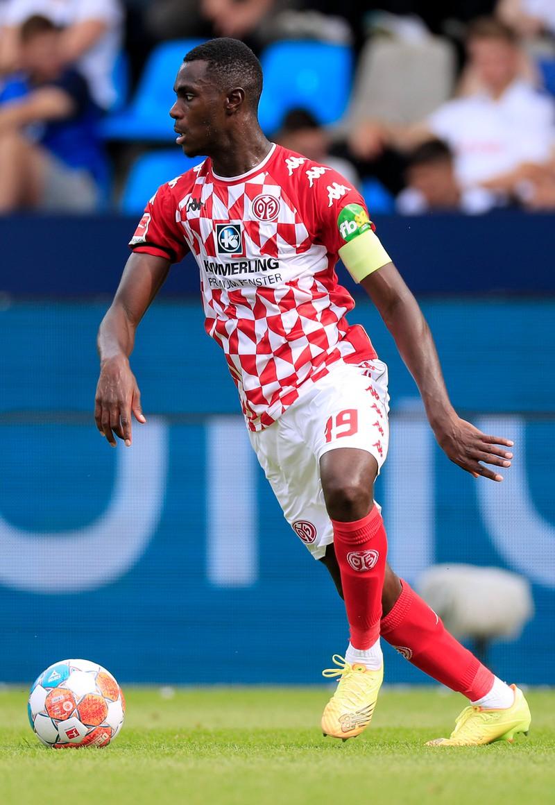 Moussa Niakhaté spielt bei FSV Mainz 05 und gilt als Stamm- und Führungsspieler