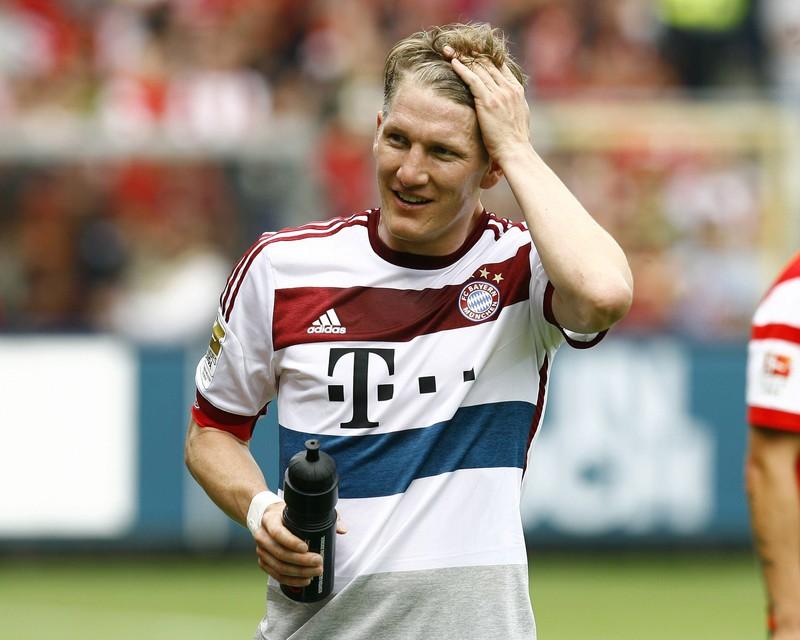 Mit welcher Nimmer spielte Bastian Schweinsteiger für den FC Bayern München?