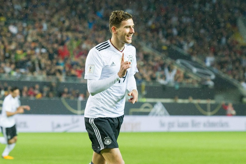 Deutschland gegen Aserbaidschan als sie 5:1 gewonnen haben und Goretzka das erste Tor schoss