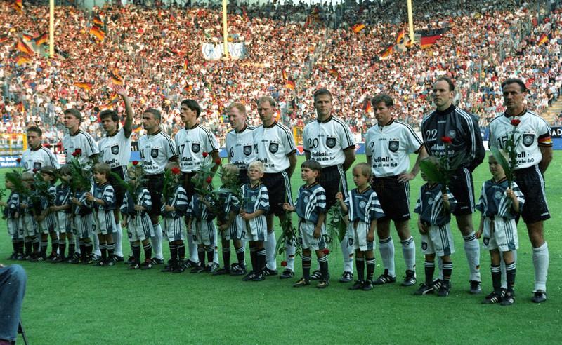 Ein Foto des Fußballspiels von Deutschland gegen Liechtenstein, in dem 10 Tore fielen