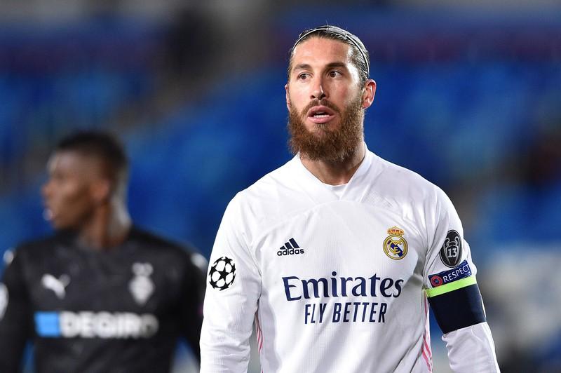 Sergio Ramos, der heute und momentan vereinslos und somit arbeitslos im Fußball ist
