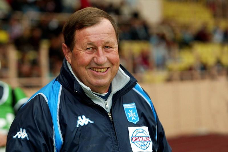 Mit 22 Jahren übernahm Guy Roux den AJ Auxerre und brachte den Klub über viele Jahrzehnte bis in die Lique 1