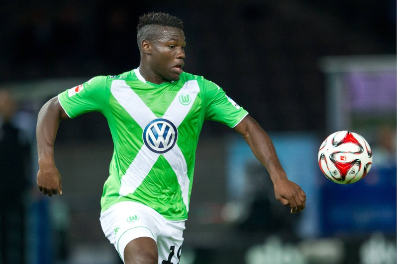 Junior Malanda vergibt gegen den FC Bayern München aus wenigen Metern eine Mega-Chance