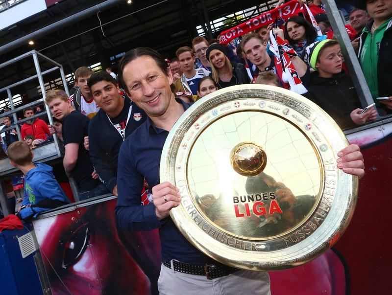 Roger Schmidt, der vor seiner Zeit bei Bayer 04 Leverkusen mit Red Bull Salzburg Meister wurde
