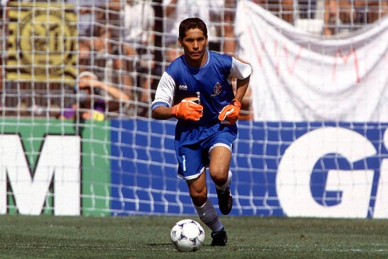 Jorge Campos war mit 40 Toren ein extrem torgefährlicher Keeper. Der mexikanische Torwart spielte auch immer mal wieder als Stürmer