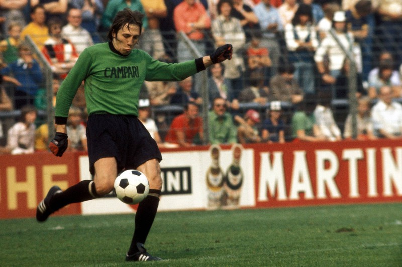Rudi Kargus hat in der Bundesliga die meisten Elfmeter pariert
