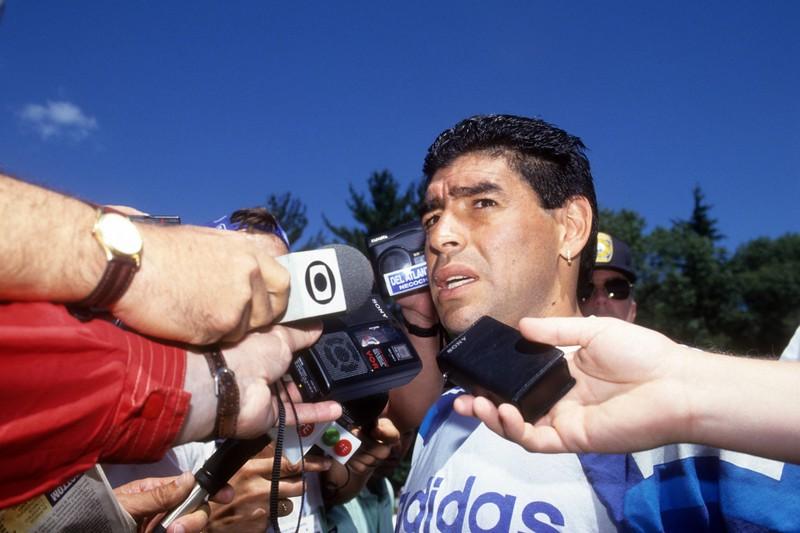 Einer der Tiefpunkte in Maradonas Karriere: Als er im Februar 1994 mit einem Luftgewehr auf Journalisten schießt