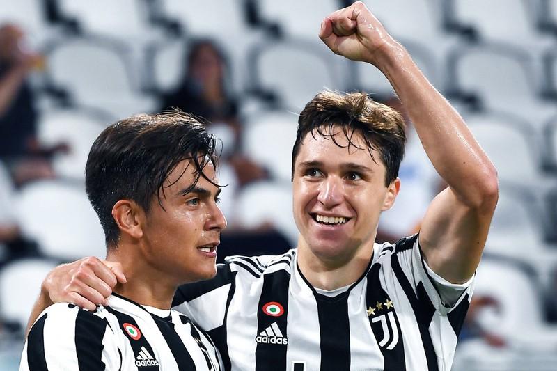 Paulo Dybala und Federico Chiesa bilden das Sturmduo für Juventus Turin.