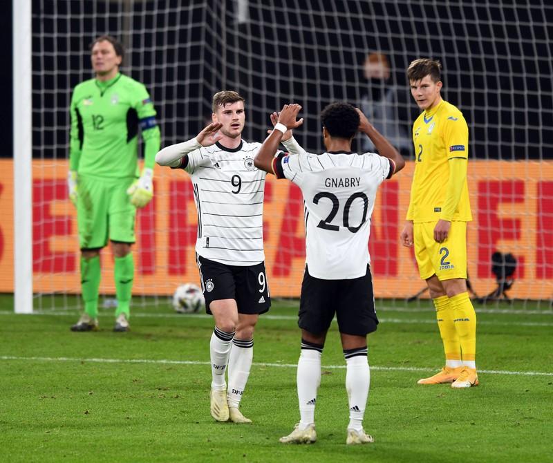 Die richtige Antwort ist Deutschland. Dort spielen unter anderem einige Spieler des FC Chelsea