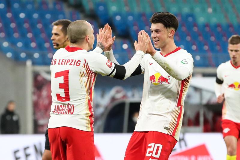 Die richtige Antwort ist RB Leipzig, sie kommen hier sogar ganz ohne deutschen Spieler aus