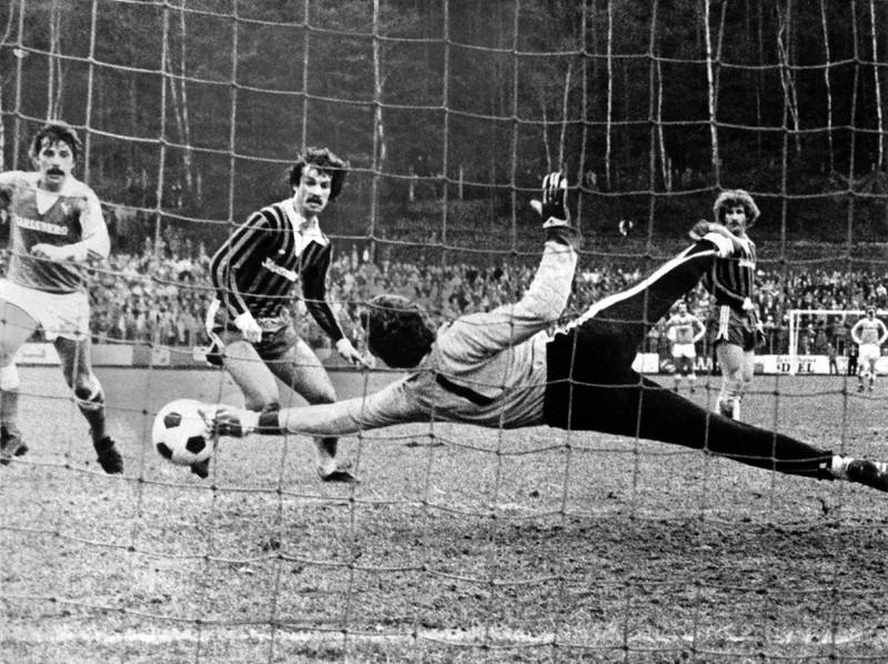 Der 1. FC Saarbrücken konnte saisonübergreifend ebenfalls 19 Spiele in Serie nicht in der Bundesliga gewinnen