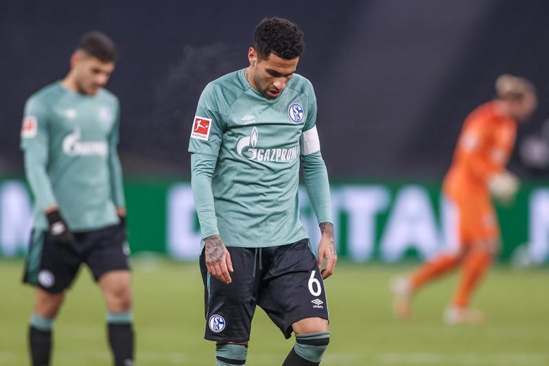 Der FC Schalke hat zwar Tasmanias Rekord nicht gebrochen, aber mit einer Sieglos-Serie in der Bundesliga von 30 Spielen ohne Sieg haben sie sich schonmal einen stattlichen Vorsprung auf Rang drei erarbeitet