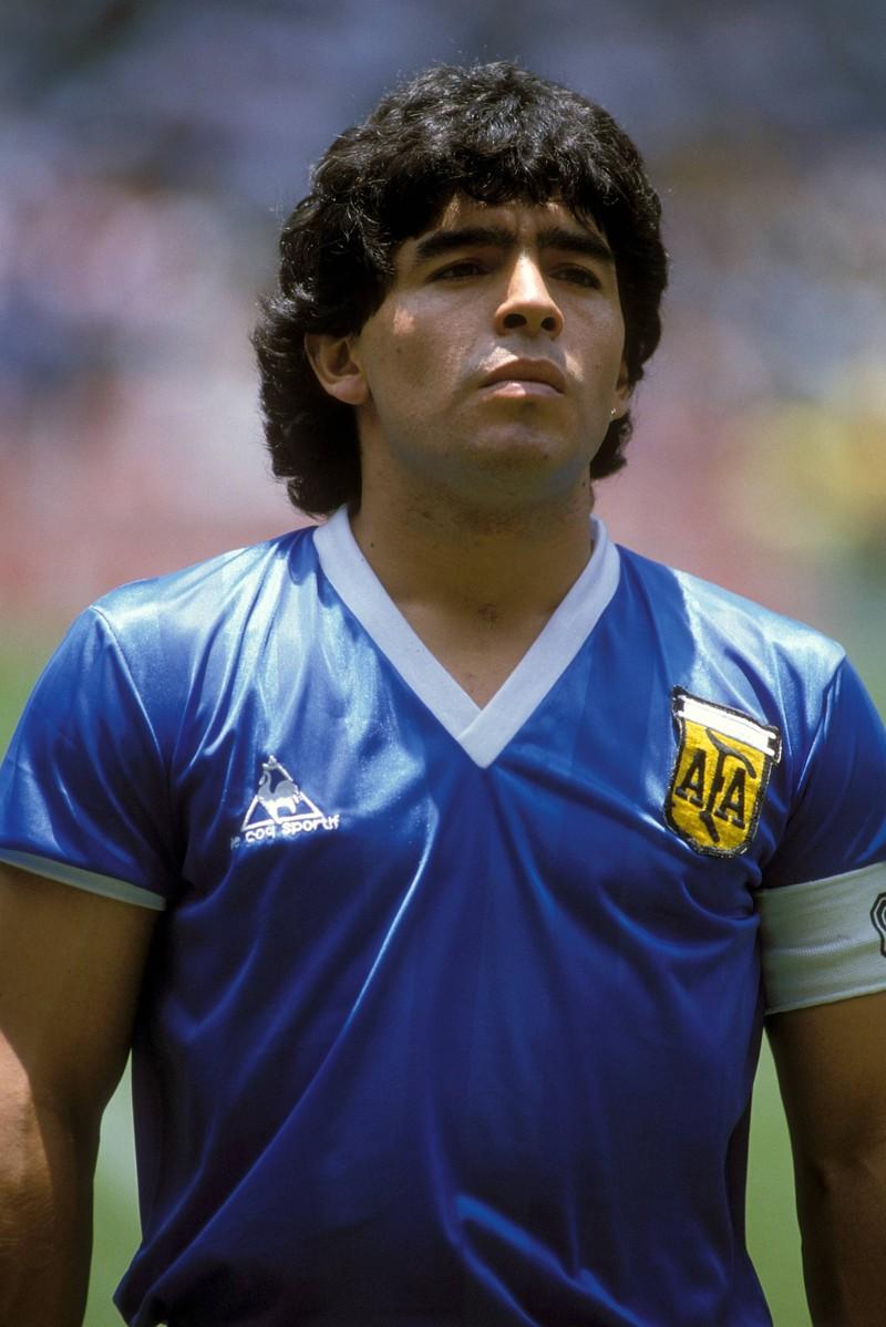 Diego Armando Maradona verstarb am 25. November 2020 und ist eine der größten Legenden des Fußballs,