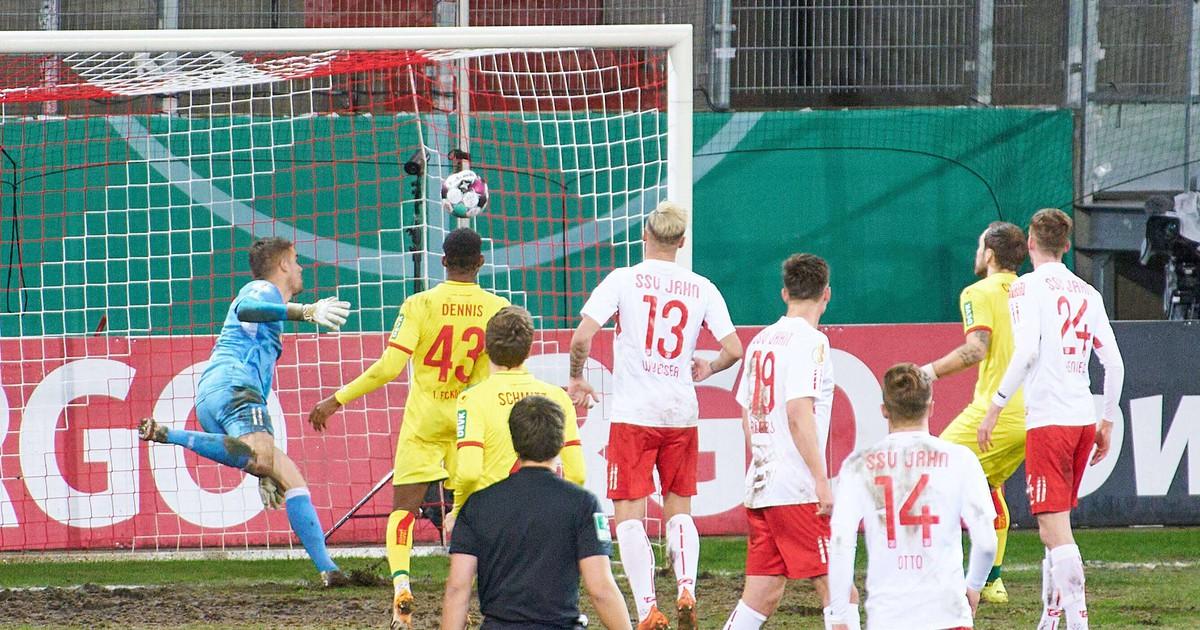 Der VAR sorgt wieder für Trubel bei Kölns Pokal-Aus gegen Regensburg