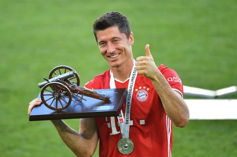 Die richtige Antwort ist Bayern München, die früher im Grünwalder Stadion spielten.