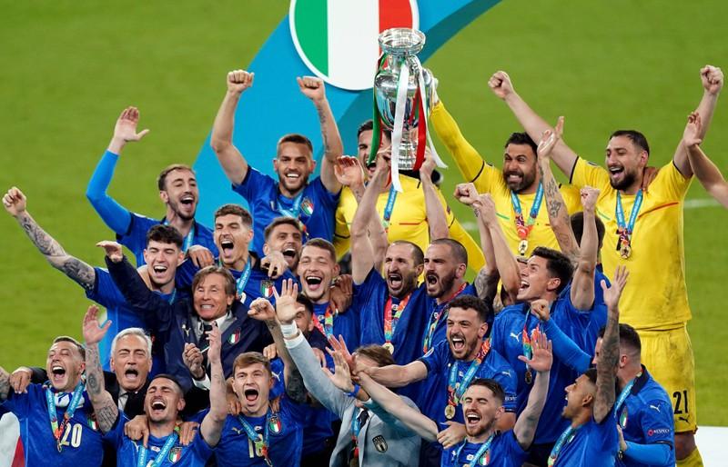 Chiellini gewinnt den ersten Titel mit Italien